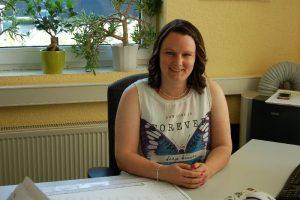 Kaufmännische Assistentin: Frau Christin Garz + 49 3385 5440 – 25 christin.garz@elektro-rathenow.de